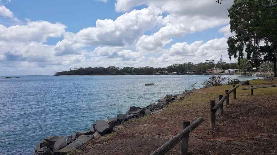toogoom beach bay